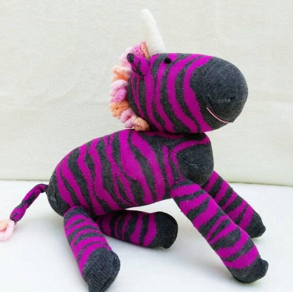 chaussettes peluche z bre licorne chaussette animal licorne. Black Bedroom Furniture Sets. Home Design Ideas