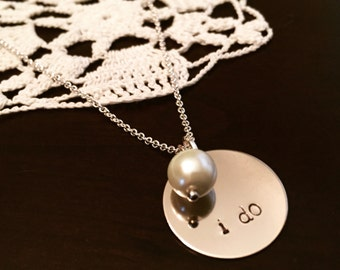 i do necklace on dainty chain with pearl