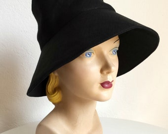 Retro Sun Hat in Black Linen - Made To Order - 3 WEEKS FOR SHIPPING