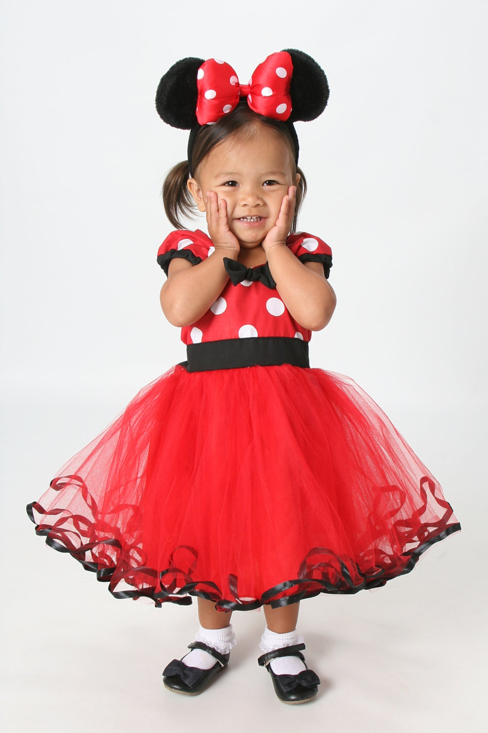 Disney Minnie Mouse Clothing. Clothing. Product - Disney Little Girls' Minnie Mouse Allover Print Knit Dress, Hot Pink (4) Product Image. Price $ Minnie Mouse Red Hearts New Large Bag Product Image. Price $ Product Title. Backpack - Disney - Minnie Mouse Red Hearts New Large Bag See Details.