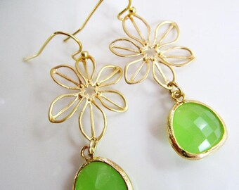 Gold Flower Earrings, Green Teardrop, Gold Flower Petal Earrings, Dangle Drop Earrings, Bridesmaid Earrings, Wedding Jewelry