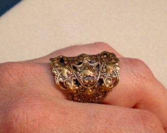 oO WOODLAND Oo Medieval brass ring