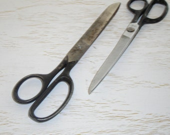 vintage black metal scissors - chippy and primitive - shabby chic cottage decor - retro steel industrial office supply decor