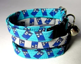 """Cat collar Doctor Who cat collar """"Blue Tardis"""" on grey background or turquoise for all Whovians"""