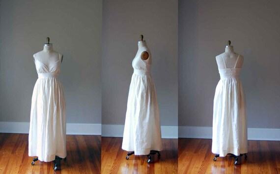Simple Ivory Wedding Dress in Pure Linen / Empire Waist and Hidden Pockets / Boho / V Neck / Handmade