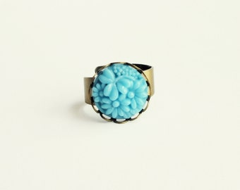 Blue Flower Ring Vintage Carved Glass Floral Ring Adjustable Aqua Ring Small Blue Ring Daisy Ring Light Blue Jewelry
