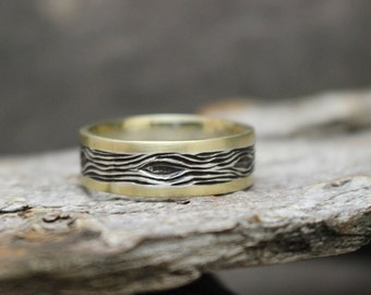 Mixed Metal Wood Grain Engraved Ring; 14k Gold & Sterling Silver