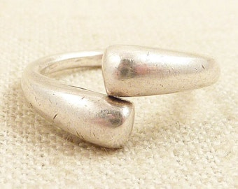 Size 7.25 Vintage Chunky Sterling Wrap Ring