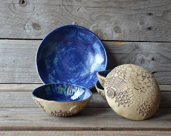 Set of Five stoneware dishes in rustic blue- MADE TO ORDER - one medium and four small  - Stoneware (grès) Plate