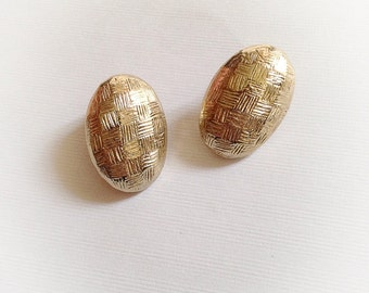 Vintage Gold Tone Oval Earrings Clip On