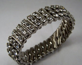 Rhinestone Stretch Band Bracelet, Vintage Costume Jewelry,  Clear Rhinestone Bracelet, Stretch Rhinestones 1960's Bracelet