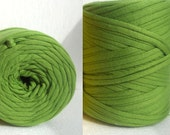 t-shirt cotton yarn 40 meters- 43 YD apple green chunky yarn,jersey cotton yarn, xl crochet yarn,zpaghetti yarn