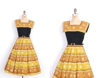 Vintage 1950s Dress / 50s Novelty Print Cotton Dress / Yellow and Black (XS extra small)