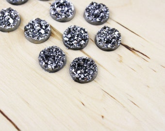 10 Druzy Drusy Round Cabochons Resin Quartz Imitation 12mm Gunmetal Silver [CAB7218]
