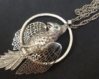 Big Metal Bird Pendant Necklace – Parrot Bird on a Wire 1970s Jewelry