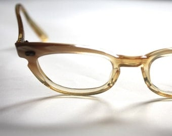 Vintage 1950's Glasses // Petite Pearly Ivory Yellow Cats Eye Frames // Bausch and Lomb // Made in the USA