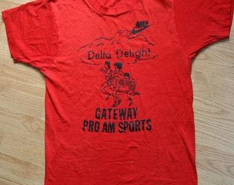 1980's NIKE - Delta Delight - RARE early 80's marathon running event collector super screen stars 50/50 unisex t-shirt - men's sz M/L