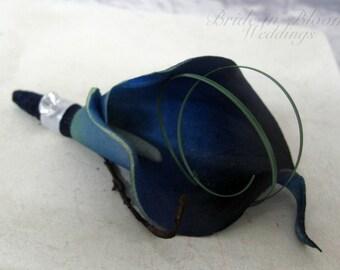 Wedding boutonniere - Navy blue calla lily Groomsmen boutonnieres