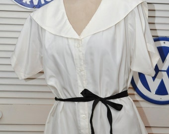 Vintage Womens Poet Blouse/Ivory White 90s 80s/V neck Collar Short Sleeve/1X Large Sailor Collar Button Front by Laura Mae size 16 Shirt Top