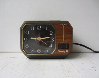 Vintage Sentry Electric Alalog Alarm Clock - Faux Bois - Wood Grain - Hong Kong