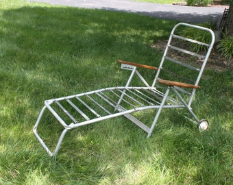 Vintage Chaise Lounge Chair Aluminum Folding Rolling Wheels Mid Century Modern Patio Furniture Travel Trailer Glamping