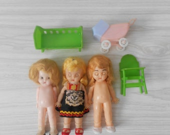 vintage set of plastic baby dolls / blonde girls / knickerbocker/ S & E / 1960s