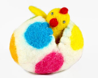 Felted Easter Chick in an Easter Egg - Surprise Egg - Easter Decoration - Miniature Easter - Wool Easter