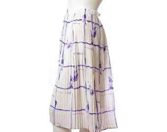 """Vintage novelty print skirt -- purple and white """"Young Lady"""" pattern -- midcentury pleated skirt -- size small xs xxs"""