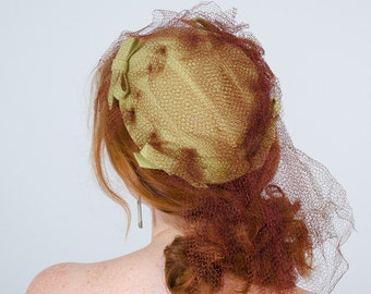 1940s vintage hat / wool hat / Chartreuse
