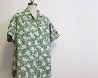 Vintage floral camp shirt - 1980s cabbage rose print oversize boxy shirt - soft vintage green with taupe and ecru flowers - size large