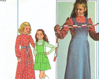 Vintage Pattern 1970s Girls Bib Front Prairie style Jumper Simplicity Pattern 7778 Girls size 12 and Girls size 14