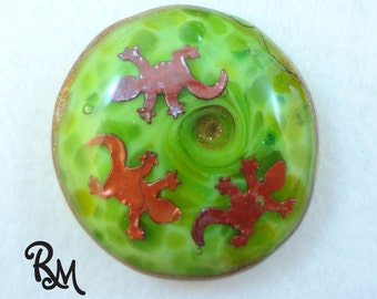 Lampwork Glass Cabochon - 'Chasing Tails'