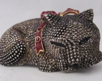 Vintage Estate Sleeping Cat / Kitty Brooch Pin with Enameled Wine Collar with Rhinestones Textured Domed