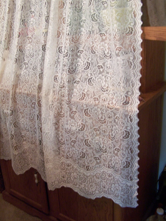 Pretty Ivory Lace Curtain Panel 60 Wide X 63 Inches
