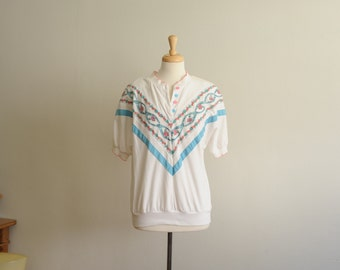 SALE Vintage 80's White Sweatshirt with Floral design and Pastel Colors by Pykettes, size S-M