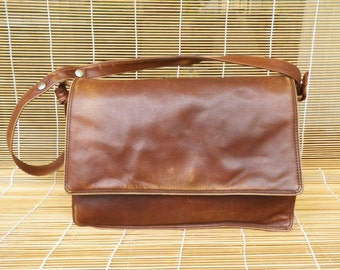 Vintage Lady's Dark Brown Leather Medium Size Hand Bag Purse