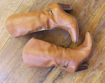 5 1/2 Western Heeled BOOTS / Women's Cowboy Boots with Stacked Heel / Vintage Brown Leather Shoes