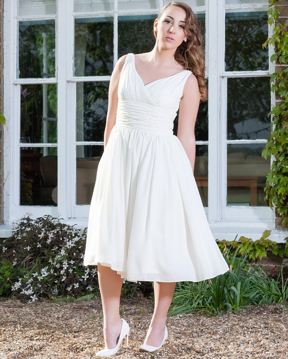 Style Axnf Maxine Wedding Dress Simple Yet Elegant This: Simple And Elegant 50s Style Dress Ivory Chiffon By