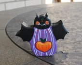 Halloween Decoration Purple Bat Love Chunk