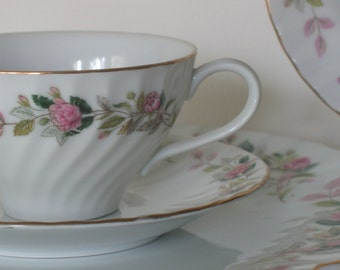Vintage China 5 Pieces Regency Rose Cottage Chic Wedding China Six Place Settings