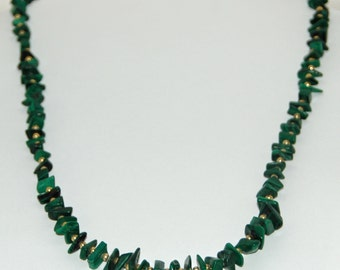 """Vintage Handstrung Genuine MALACHITE CHIPs w/ GOLD Filled Beads 23"""" GRADUATED Necklace W/ Screw Barrel Closure Ca 1980s Exc Condition"""