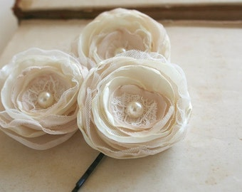 Bridal Hair Flowers Wedding Hairpiece Fascinator Vintage Hair Clips Small Flower Hair Pins Cream Ivory Beige Pearls Lace Bridesmaids Gift