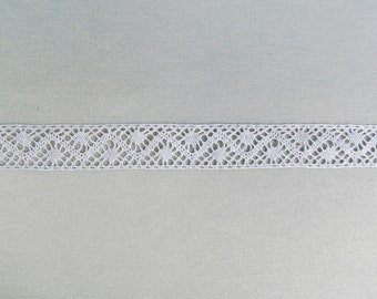 Antique lace insertion, early 1900's torchon insertion lace, pale natural linen color lace