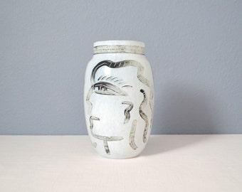 Vintage Kosta Boda Ulrica Hydman-Vallien Caramba Vase