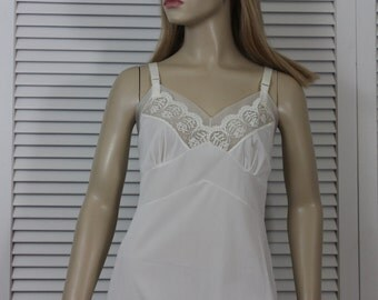 Vintage Full Slip White Crystal Pleating Movie Star Lingerie Medium 36