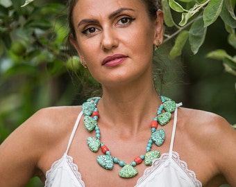 Colorful bib necklace with mosaic stones, shell shaped, mosaic turquoise, red coral, blue howlite turquoise, bright summer fashion necklace