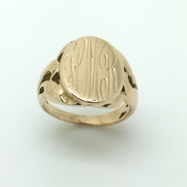 nouveau monogram signet ring in 10k yellow gold