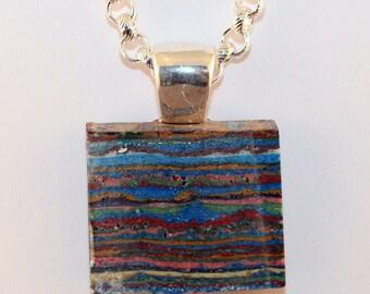 Multi-layered Stone Pendant Necklace