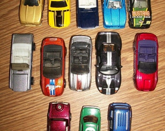 Mixed Lot of Old Vintage Matchbox Hot Wheels Maisto Jada Johnny Lighting 1/64 Mustang Cars + Others