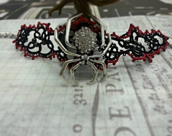 Widow's Sting Hand Tatted Lace Necklace